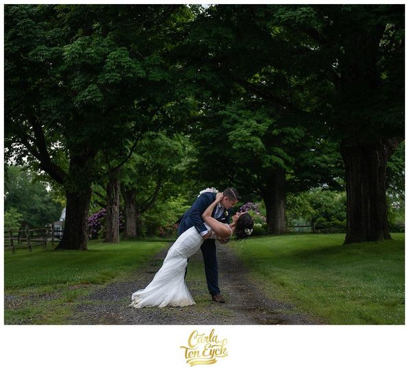f90b7ef2b76d5e00 CT WEDDING PHOTOGRAPHER TYRONE FARM BARN CARLA TEN EYCK 85