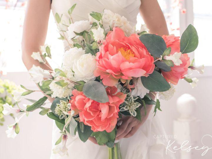 Tmx Michigan Wedding Photographer Lake Cottage Captured By Kelsey 40 51 1130637 157970196334437 Pinckney, MI wedding florist