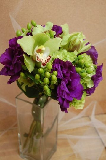 A popular mix orchids and purples