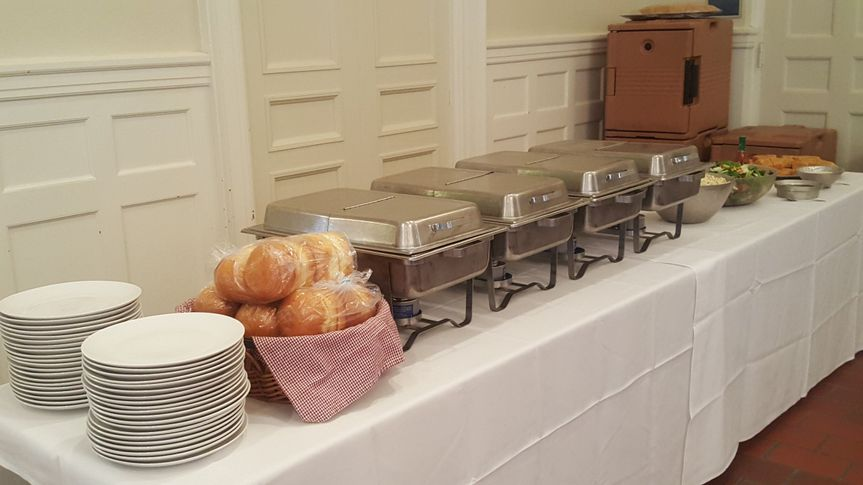 Our meal service is both efficient and attractive enough for any occasion.