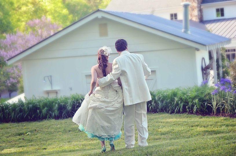weddingwiremaking an entrance1
