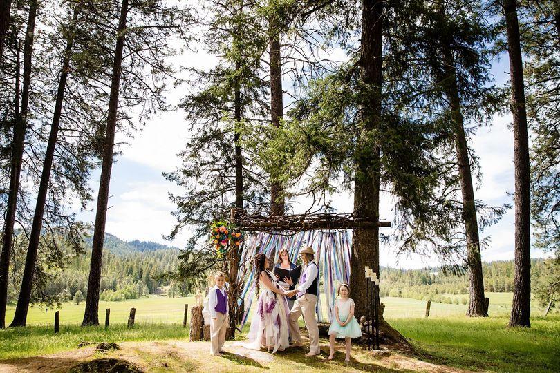Boho woodsy wedding