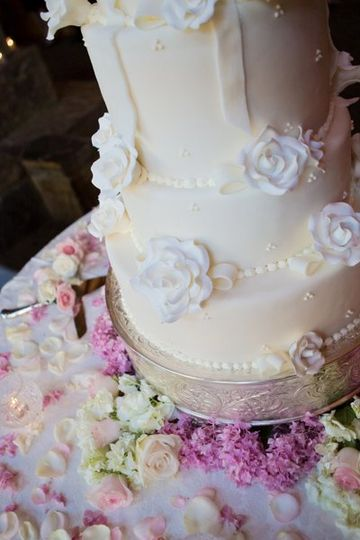 800x800 1316710389753 weddingcake