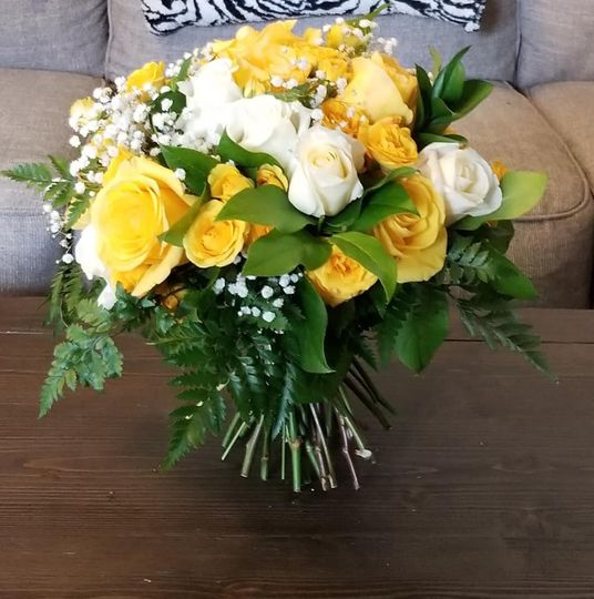 Yellow and white handtied bouq