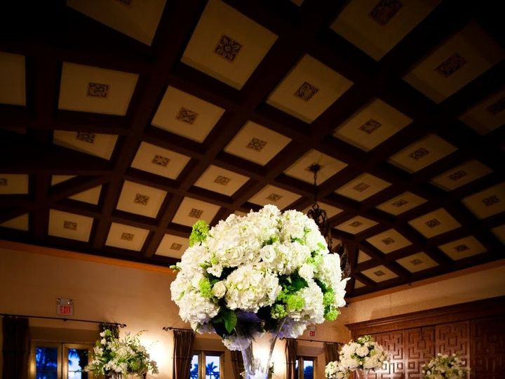 Tmx 1346952439698 PCSEventMiamiCateringWhiteHydrangeaMiniLimeGreenHydrangeaCenterpiece Miami wedding catering