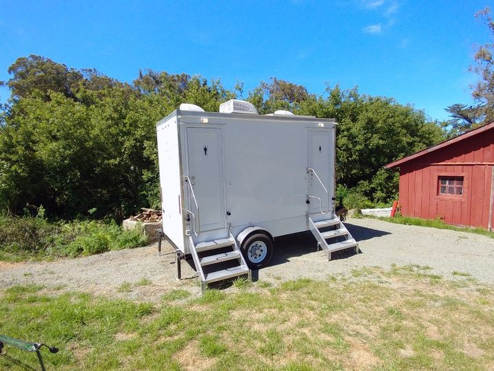 Tmx Luxury 2 Stall Portable Flushing Restroom Trailer Exteriors Fancyflush Luxuryrestroomtrailer 6 51 722737 158327982540297 Santa Rosa, CA wedding rental