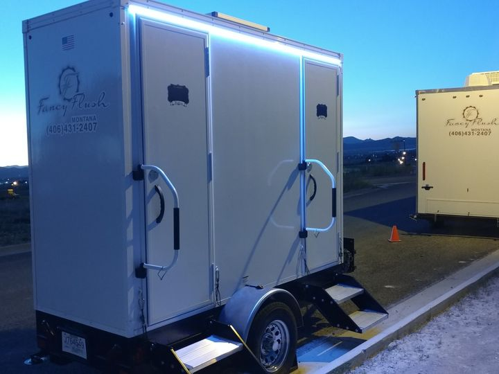 Tmx Luxury Solar Restroom Trailer Fancyflush Luxuryrestroomtrailer 51 722737 158327984485854 Santa Rosa, CA wedding rental