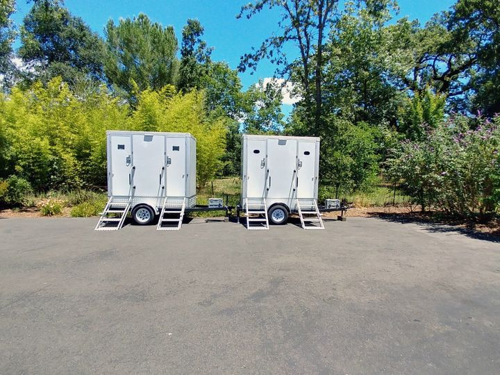 Tmx Luxury Vip Portable Flushing Restroom Trailers Exterior Fancyflush Luxuryrestroomtrailer 51 722737 158327984777842 Santa Rosa, CA wedding rental
