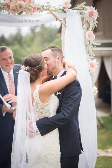 hair style for wedding guest locke falls farm venue wonalancet nh weddingwire 9164