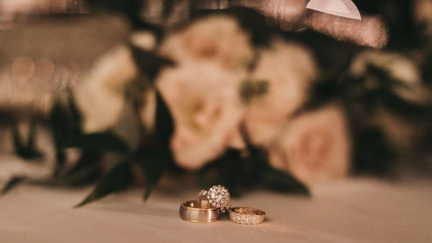 Mens & Womens Wedding Ring Set
