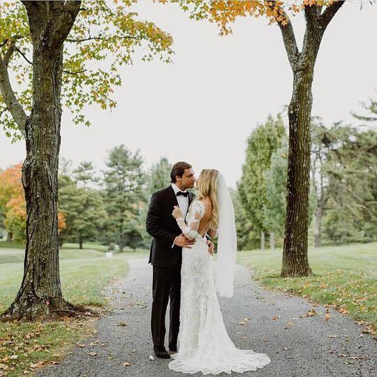 b0946445e5e93cd9 1518535294 c8e532851c5a77f2 1518535296095 1 wedding picture 1