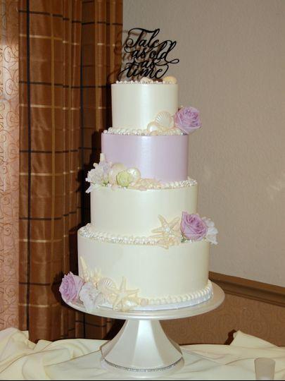 Lilac theme wedding cake
