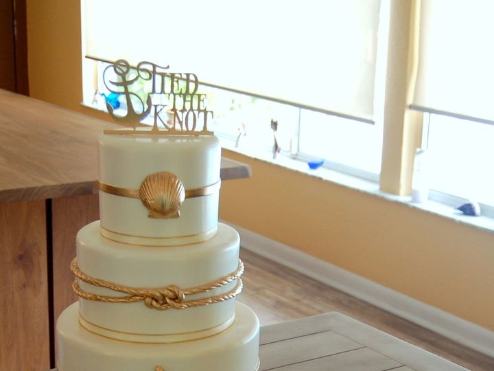 Tmx 1516737575 2d4e34d20f203017 1516737572 763e55118c1cfaa3 1516737518913 21 Golden Nautical   Saint Petersburg, Florida wedding cake