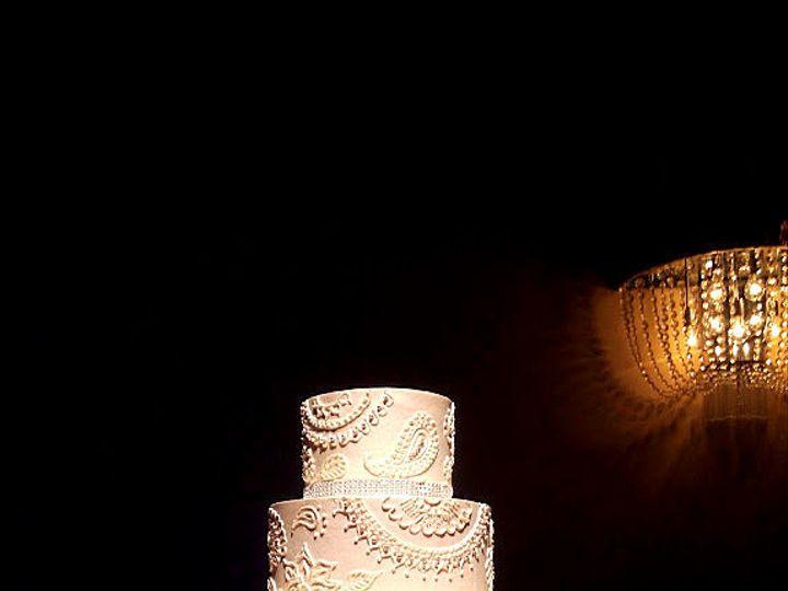 Tmx 1516740118 1f5b8a3b2eab48b9 1516740117 8b2d4616536b9bac 1516740118702 13 Buttercream   Hen Saint Petersburg, Florida wedding cake