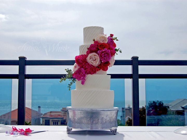 Tmx 1516740164 06c6ab8937115cc2 1516740163 9e71a75f2c68ae17 1516740164460 17 Diagonal Texture  Saint Petersburg, Florida wedding cake