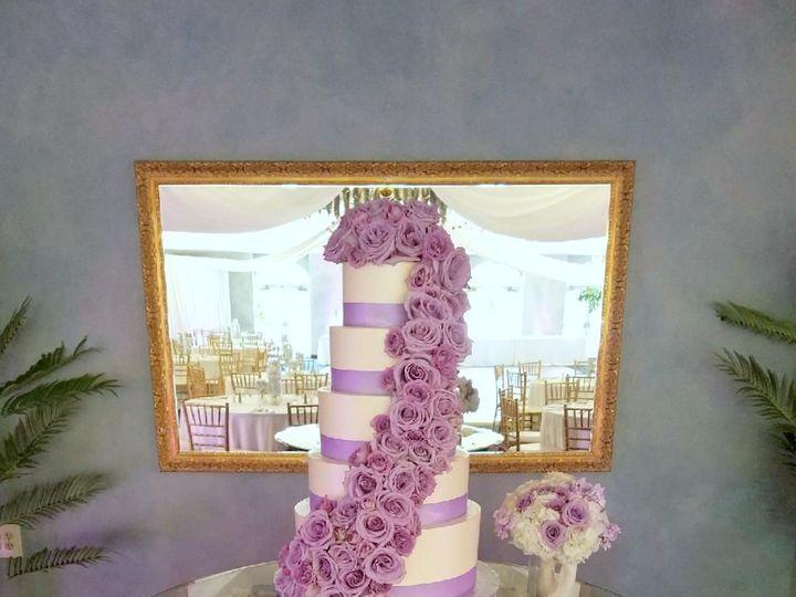 Tmx 1516740251 C2fb8036cadb4240 1516740249 3e8ac74335f6c2c0 1516740250790 24 Lavender Floral C Saint Petersburg, Florida wedding cake