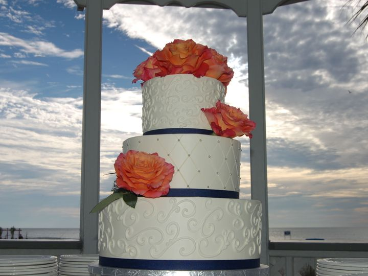 Tmx 1516740285 82345ecac62d70dd 1516740283 243bb0977361e362 1516740282951 27 Tradewinds On The Saint Petersburg, Florida wedding cake