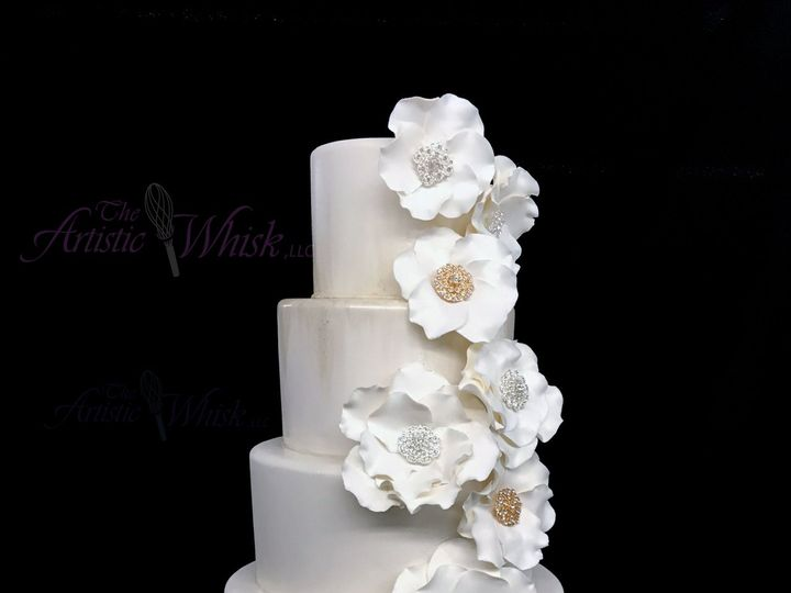 Tmx 1516745454 6a6ad72f9362c276 1516745451 1d4b8c8c29dbeca9 1516745443436 7 Broaches And Sugar Saint Petersburg, Florida wedding cake