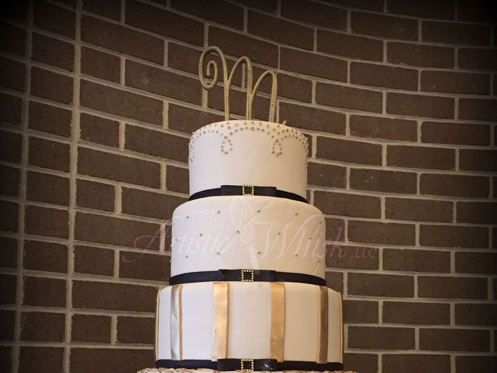 Tmx 1516745477 0df33d5dfa80af81 1516745474 95e78d0a78e82ea8 1516745460385 15 Gold   Bows Saint Petersburg, Florida wedding cake