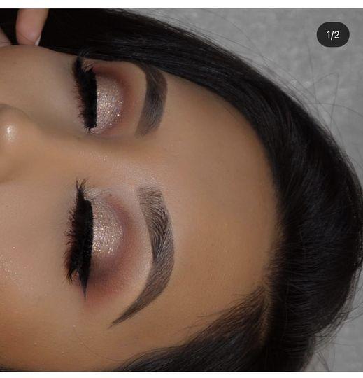 Cut crease with glitter