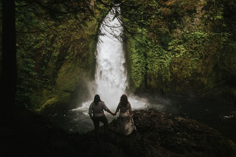 oregon waterfall elopement photographer 008