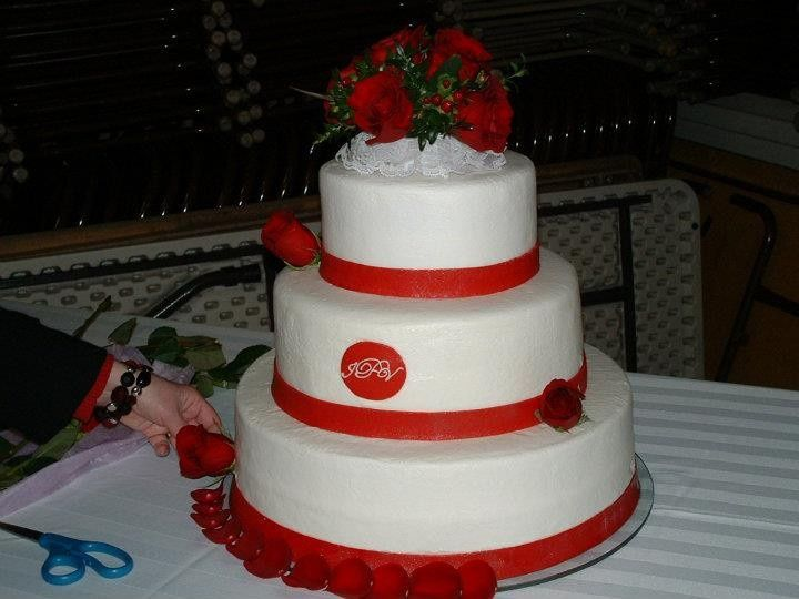 Wedding cake with butter cream icing by Laura Lee's Cakes