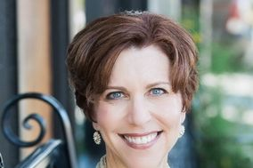 Annemarie Juhlian, Seattle Wedding Officiant & Minister