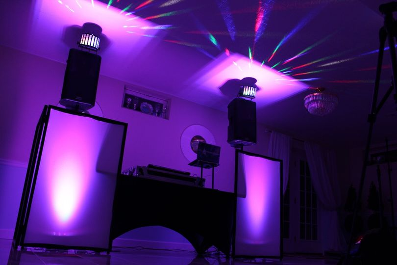 Neat & Professional DJ Table