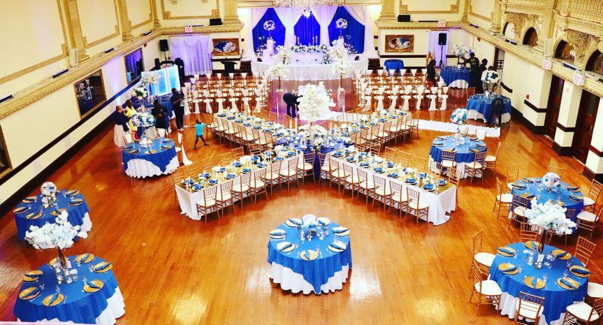 Blue & gold reception setup