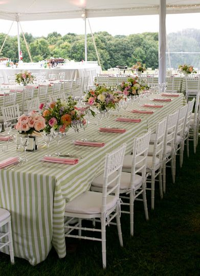 pink and green wedding table decor