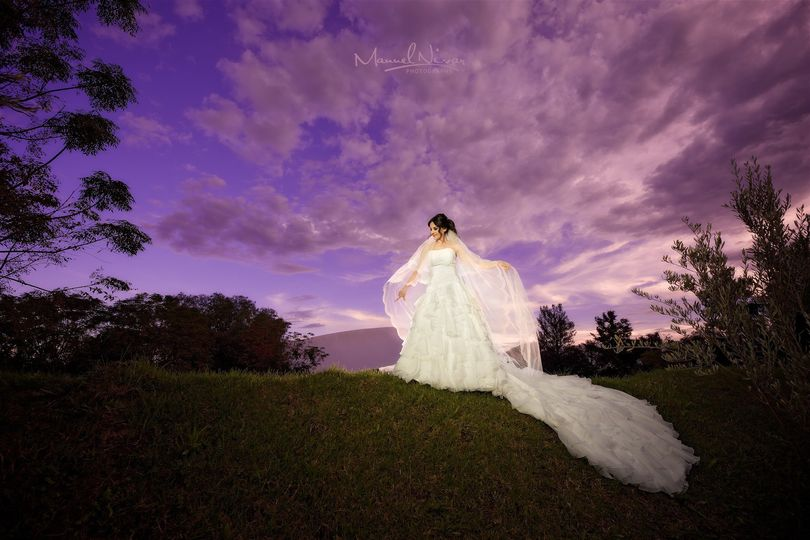 The flowing gown - Nivar Photography & Film