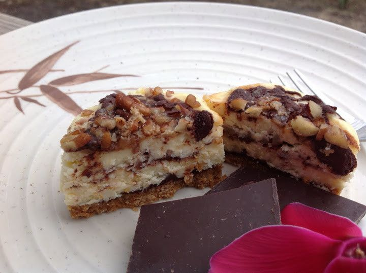 Turtle cheesecake with chocolate, caramel and pecans.