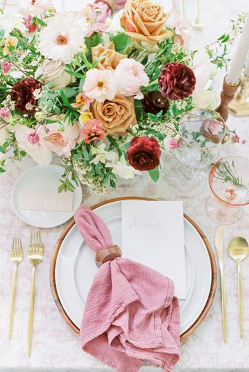 Centerpiece & placesetting