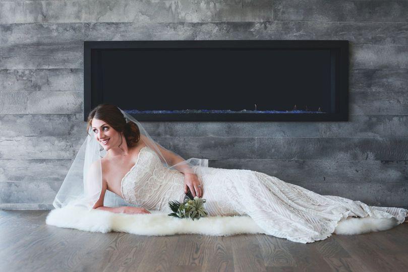 strapless bodycon wedding dress with veil