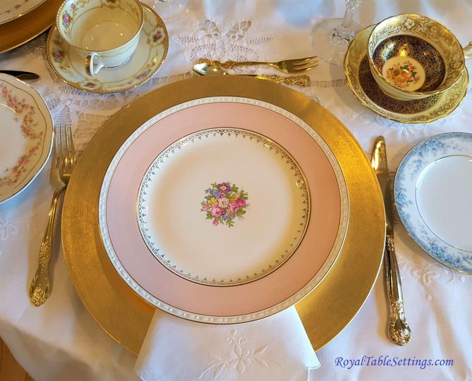 We provide beautiful high-quality rentals of fine china, crystal, silverware, serving ware, table...