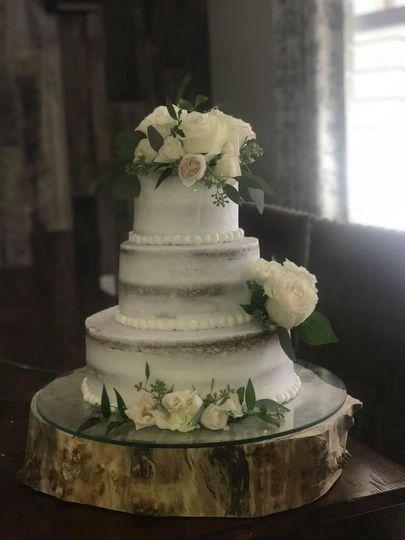 Rustic elegant style cake