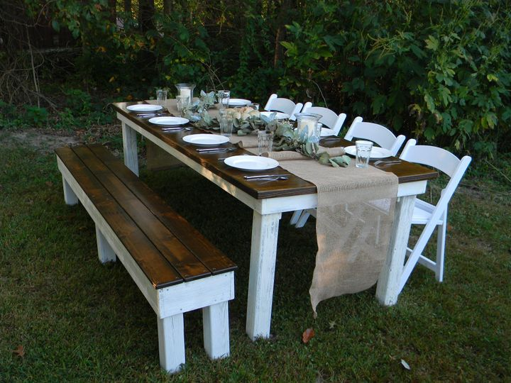 Tranquil outdoor wedding banquet