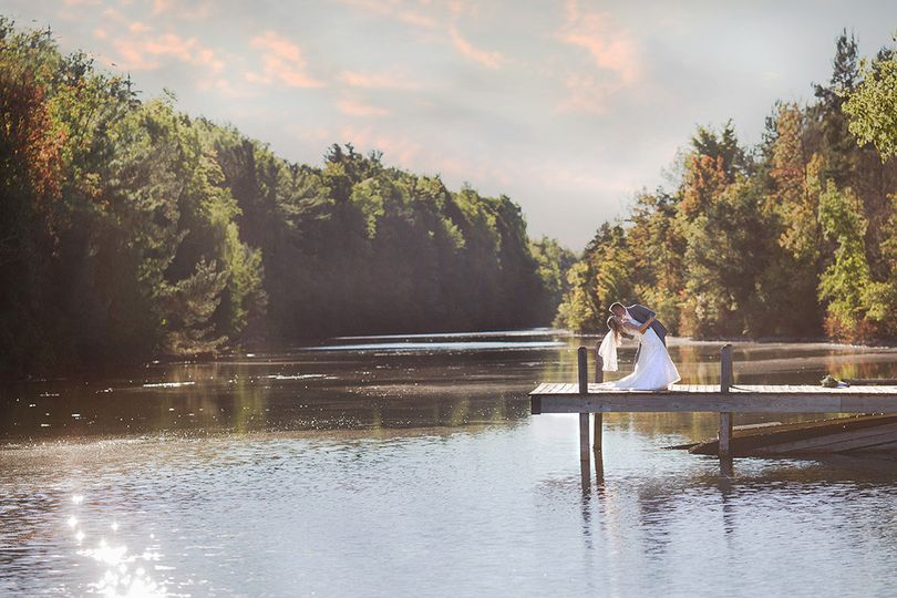 Waterfront wedding - Mischief and Laughs Photography