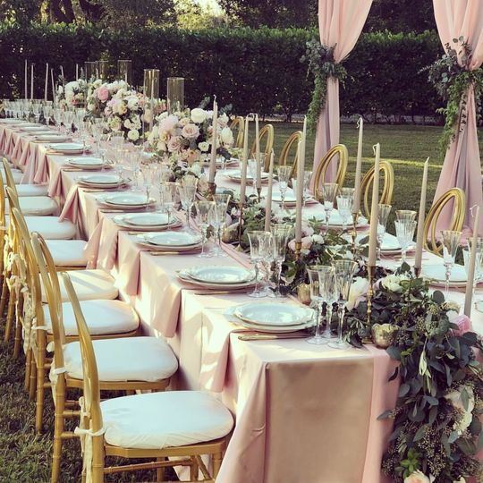 Royal table with lush garlands