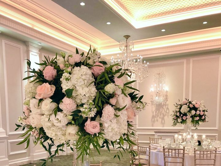 Tmx Img 8417 51 1012047 160627161828020 Brooklyn, NY wedding florist