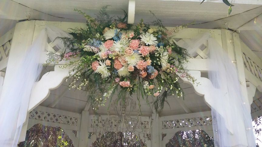 Vintage look for a garden wedding