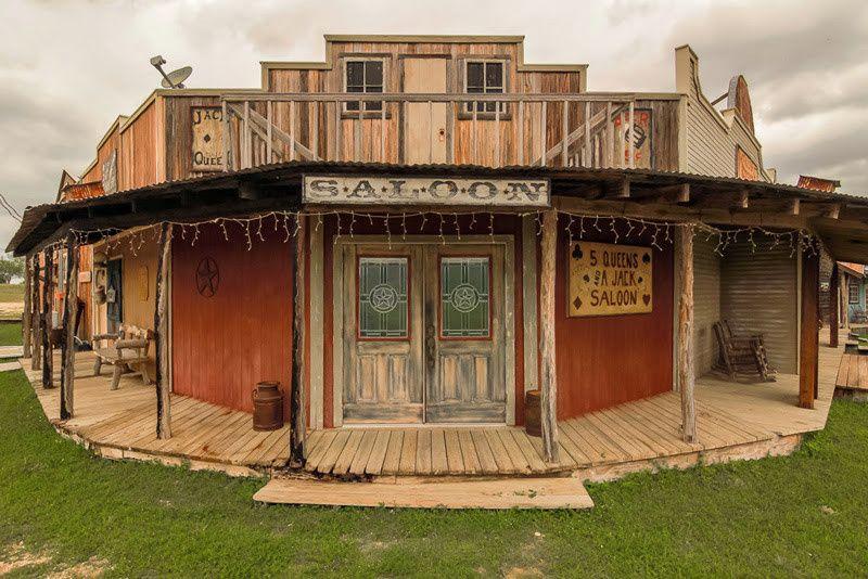 Western Town's Saloon