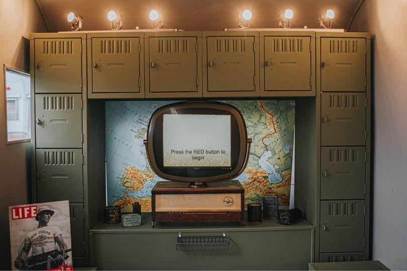 Lockers & TV in Photo Bomber