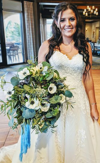 Lovely Bride with Anemone Bqt