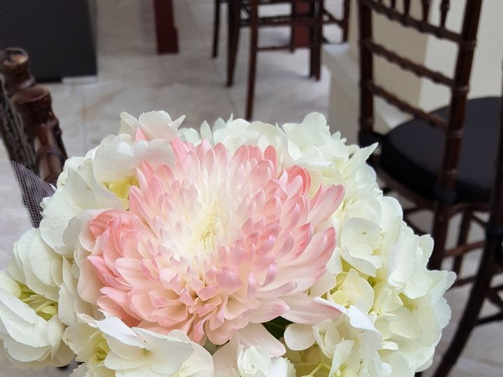 Tmx 1515547356 33f0b736f931b5a6 1515547354 F39d359d76453bca 1515547352232 6 20161029 163942 Naples, Florida wedding florist