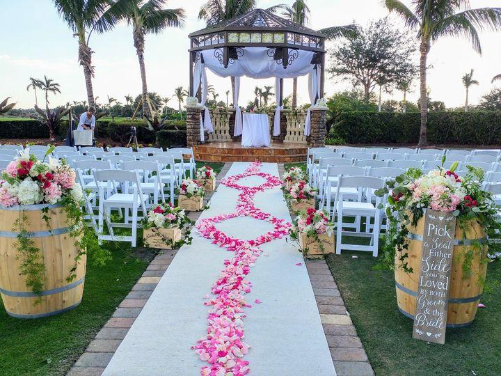 Tmx 1515718861 E586d175f8c2a117 1515718793 1040fd61c5b80ae5 1515718791489 2 1111171600 HDR Naples, Florida wedding florist