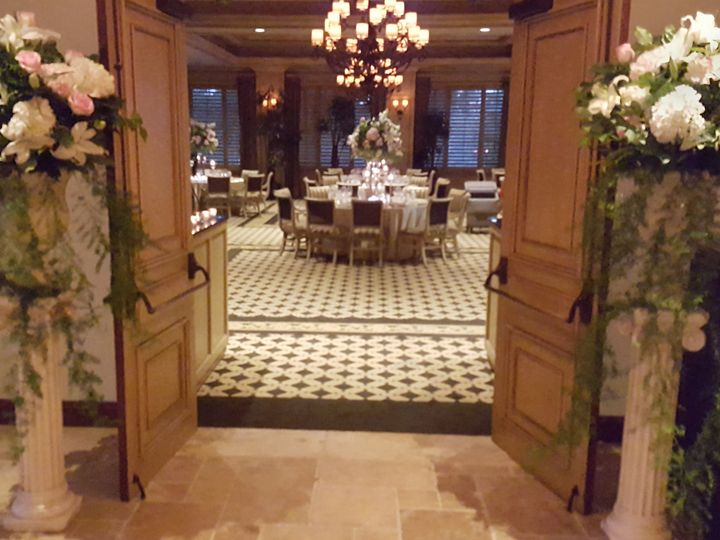 Tmx Columnrepurposing 51 102147 161376686249740 Naples, FL wedding florist