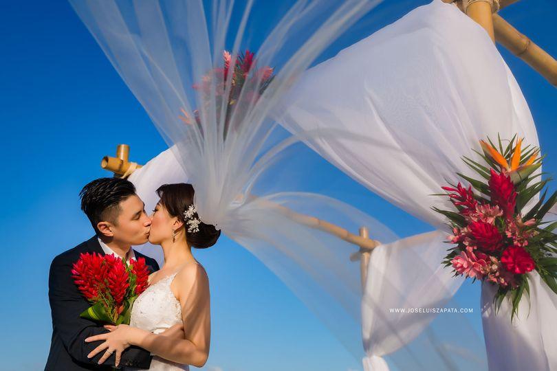 e0f87da53e315ef8 Daniel Eileen Xanadu Belize Island Wedding Proof Link 201
