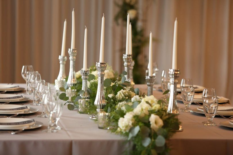 Table candle setting