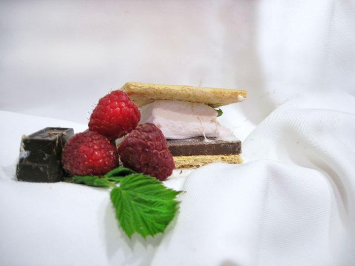 Rocky Mountain Raspberry Raspberry Flavored Marshmallow with Dark Chocolate and Honey Graham Cracker